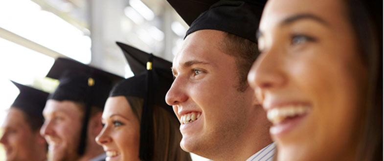 How Much Does It Cost To Rent a Graduation Gown?